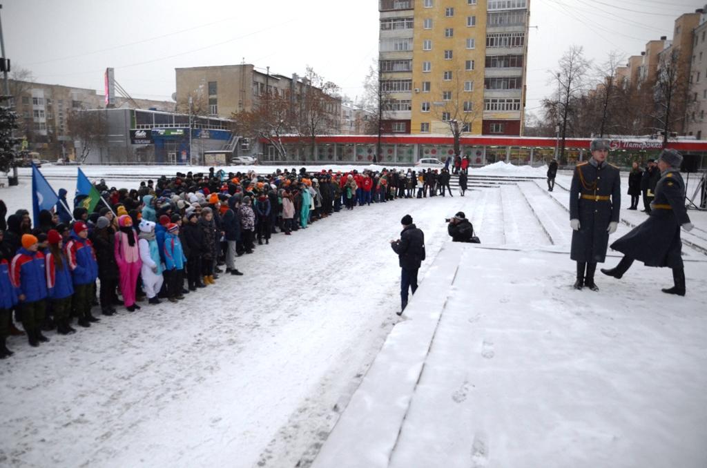 Перед стартом на площади Советской Армии 10 декабря 2017 года
